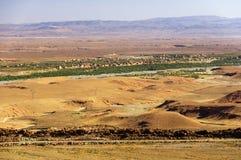 Μαροκινό χωριό στα βουνά ατλάντων Στοκ φωτογραφίες με δικαίωμα ελεύθερης χρήσης