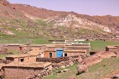 ΜΑΡΟΚΟ: Sheepfold κοντά στην αιχμή Sirwa στα βουνά ατλάντων με την αρχιτεκτονική Berber Στοκ Φωτογραφία