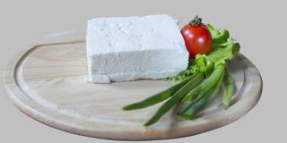 Μαρούλι, ντομάτα και κρεμμύδι κομματιών τυριών Στοκ Εικόνα