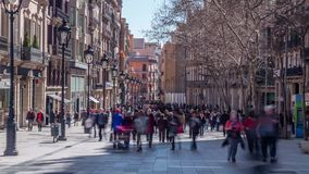 7 ΜΑΡΤΊΟΥ 2017 Βίντεο χρονικών περιτυλίξεων Άνθρωποι στην οδό στο κέντρο πόλεων της Βαρκελώνης απόθεμα βίντεο