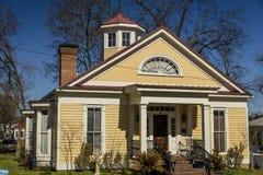 6 Μαρτίου 2018 - εκλεκτής ποιότητας αμερικανικό σπίτι, Jefferson, Τρύγος, μέτωπο στοκ φωτογραφία