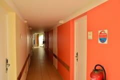 Μαρτινίκα, διάδρομος σε ένα ξενοδοχείο σε Sainte Anne στις Δυτικές Ινδίες Στοκ φωτογραφία με δικαίωμα ελεύθερης χρήσης