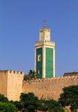 Μαρόκο, Meknes, ιστορικοί τοίχος πόλεων και μουσουλμανικό τέμενος Στοκ εικόνα με δικαίωμα ελεύθερης χρήσης