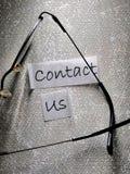 Μας ελάτε σε επαφή με ετικέττα στοκ φωτογραφία με δικαίωμα ελεύθερης χρήσης