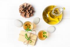 Μασάζ ή aromatherapy σύνολο: πετρέλαιο, πέτρες και σαπούνι Στοκ εικόνες με δικαίωμα ελεύθερης χρήσης