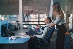 Μασάζ στο γραφείο Στοκ εικόνες με δικαίωμα ελεύθερης χρήσης