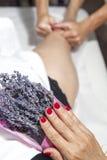 Μασάζ SPA με aromatherapy Στοκ φωτογραφίες με δικαίωμα ελεύθερης χρήσης