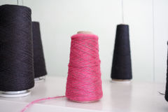 Μασούρι του νήματος για το πλέξιμο Στοκ εικόνα με δικαίωμα ελεύθερης χρήσης