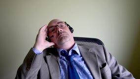 Ματαιωμένος επιχειρηματίας στο τηλέφωνο απόθεμα βίντεο