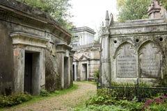 Μαυσωλείο στο νεκροταφείο - 1 Στοκ Εικόνες