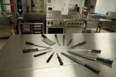 μαχαίρια κουζινών που τίθενται Στοκ εικόνες με δικαίωμα ελεύθερης χρήσης