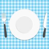 Μαχαίρι και δίκρανο πιάτων στο τραπεζομάντιλο διανυσματική απεικόνιση