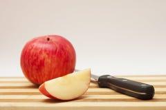 Μαχαίρι της Apple Στοκ εικόνες με δικαίωμα ελεύθερης χρήσης