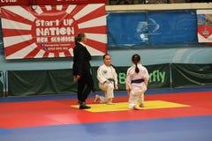 Μαχητές Jitsu Jiu με το διαιτητή στο ρουμανικό πρωτάθλημα, νεώτεροι, το Μάιο του 2018 στοκ φωτογραφίες