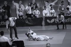 Μαχητές Jitsu Jiu με το διαιτητή στο ρουμανικό πρωτάθλημα, νεώτεροι, το Μάιο του 2018 στοκ εικόνες