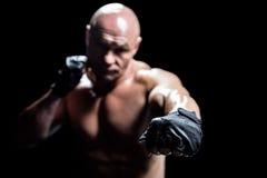 Μαχητής με τα μαύρα γάντια Στοκ φωτογραφία με δικαίωμα ελεύθερης χρήσης