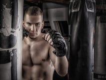 Μαχητής Mma στα γάντια Στοκ φωτογραφία με δικαίωμα ελεύθερης χρήσης