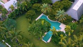 Μαϊάμι, Φλώριδα, ΗΠΑ - μπορέστε το 2019: Εναέρια πτήση άποψης κηφήνων πέρα από τον κόλπο του Μαϊάμι Biscayne και το ινδικό νησί κ απόθεμα βίντεο