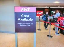 Μαϊάμι, Φλώριδα, ΗΠΑ - Aprile 28, 2018: Το γραφείο αυτοκινήτων ενοικίου της Avis στον αερολιμένα του Μαϊάμι στοκ εικόνες