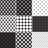 Μαύρα άνευ ραφής σχέδια σημείων Πόλκα Στοκ εικόνα με δικαίωμα ελεύθερης χρήσης