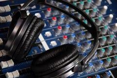 μαύρα ακουστικά Στοκ Φωτογραφίες