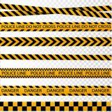 Μαύρα και κίτρινα σύνορα λωρίδων αστυνομίας, κατασκευή, κινδύνου διανυσματικό σύνολο ταινιών προσοχής άνευ ραφής διανυσματική απεικόνιση