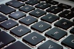 Μαύρα κλειδιά στο πληκτρολόγιο υπολογιστών Στοκ Φωτογραφίες