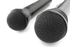 μαύρα μικρόφωνα δύο Στοκ φωτογραφία με δικαίωμα ελεύθερης χρήσης