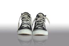Μαύρα πάνινα παπούτσια Στοκ φωτογραφίες με δικαίωμα ελεύθερης χρήσης