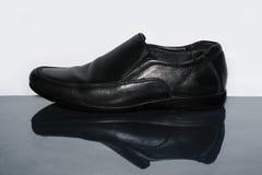 Μαύρα παπούτσια δέρματος ατόμων Στοκ εικόνα με δικαίωμα ελεύθερης χρήσης