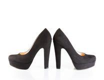 Μαύρα παπούτσια βελούδου που απομονώνονται Στοκ εικόνα με δικαίωμα ελεύθερης χρήσης