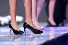 Μαύρα παπούτσια εβδομάδας μόδας της Sofia στοκ εικόνα