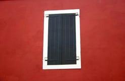 μαύρα παραθυρόφυλλα Στοκ Εικόνες