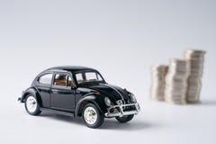 μαύρα πρότυπο και νομίσματα αυτοκινήτων Στοκ εικόνα με δικαίωμα ελεύθερης χρήσης