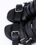 μαύρα σανδάλια δέρματος Στοκ φωτογραφίες με δικαίωμα ελεύθερης χρήσης