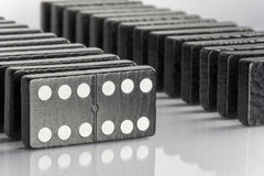 Μαύρα τούβλα ντόμινο Στοκ εικόνα με δικαίωμα ελεύθερης χρήσης