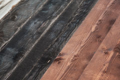 Μαύρες και καφετιές σανίδες σύσταση πατωμάτων ξύλινη Στοκ εικόνα με δικαίωμα ελεύθερης χρήσης