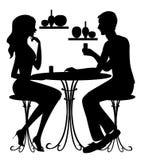 Μαύρες σκιαγραφίες του αγοριού και του κοριτσιού στον καφέ απεικόνιση αποθεμάτων