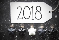 Μαύρες σφαίρες Χριστουγέννων, Snowflakes, κείμενο 2018 Στοκ Εικόνες