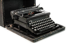Μαύρη γραφομηχανή στην άσπρη ανασκόπηση Στοκ Φωτογραφίες