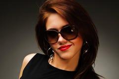 μαύρη γυναίκα γυαλιών φορ&e Στοκ Εικόνα