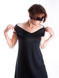 μαύρη γυναίκα ματιών φορεμά&ta Στοκ εικόνες με δικαίωμα ελεύθερης χρήσης