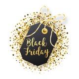 Μαύρη ετικέττα πωλήσεων Παρασκευής Η μαύρη ετικέττα με χρυσό ακτινοβολεί απομονωμένος στο άσπρο υπόβαθρο Στοκ Φωτογραφία