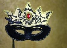 Μαύρη και χρυσή μάσκα καρναβαλιού Στοκ Φωτογραφία