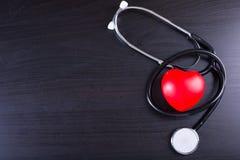 Μαύρη καρδιά στηθοσκοπίων Στοκ Εικόνες