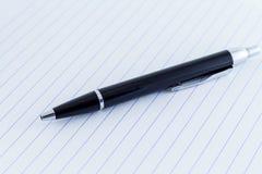 Μαύρη μάνδρα γραψίματος Ballpoint ιονικό έγγραφο γραψίματος γραμμών Στοκ εικόνα με δικαίωμα ελεύθερης χρήσης