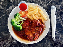Μαύρη μπριζόλα κοτόπουλου πιπεριών Στοκ Φωτογραφίες