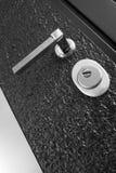 Μαύρη μπροστινή πόρτα Στοκ φωτογραφία με δικαίωμα ελεύθερης χρήσης