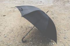 μαύρη ομπρέλα Στοκ Εικόνες