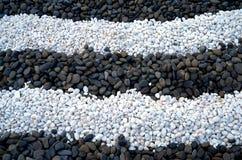 Μαύρη πέτρα και άσπρη πέτρα Στοκ φωτογραφία με δικαίωμα ελεύθερης χρήσης